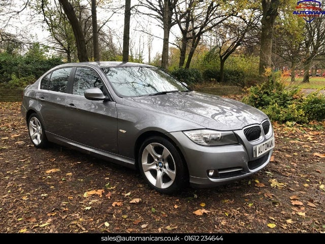 2011 BMW 3 Series 2.0 318i Exclusive Edition (143bhp) Edition Saloon 4d (61 reg)