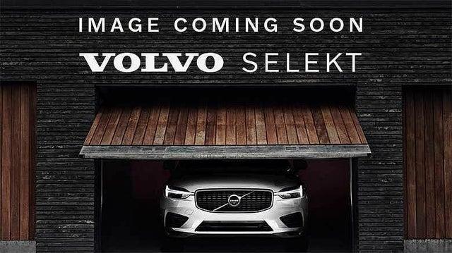 2020 Volvo XC40 2.0 B4 Momentum (70 reg)