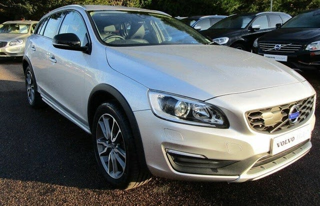 2018 Volvo V60 2.0TD D3 Cross Country Lux Geartronic (18 reg)