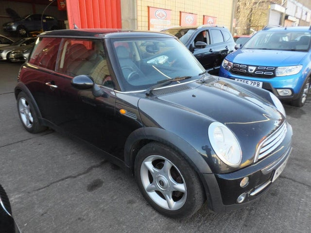 2005 MINI Cooper 1.6 Cooper (Chili) Hatchback 3d (05 reg)