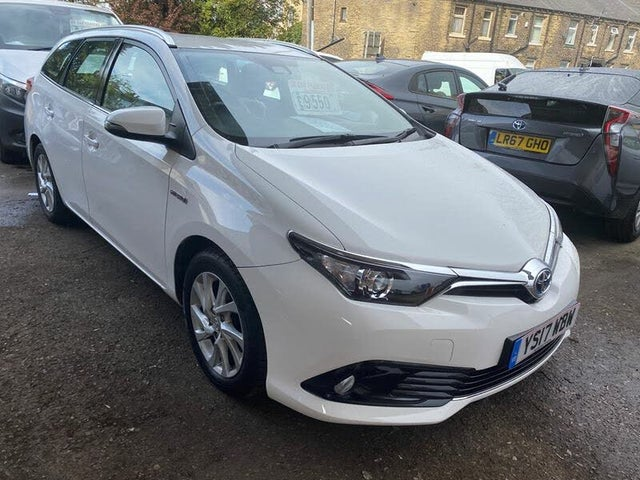 2017 Toyota Auris 1.8 VVT-i HSD Business Edition Hybrid (17 reg)