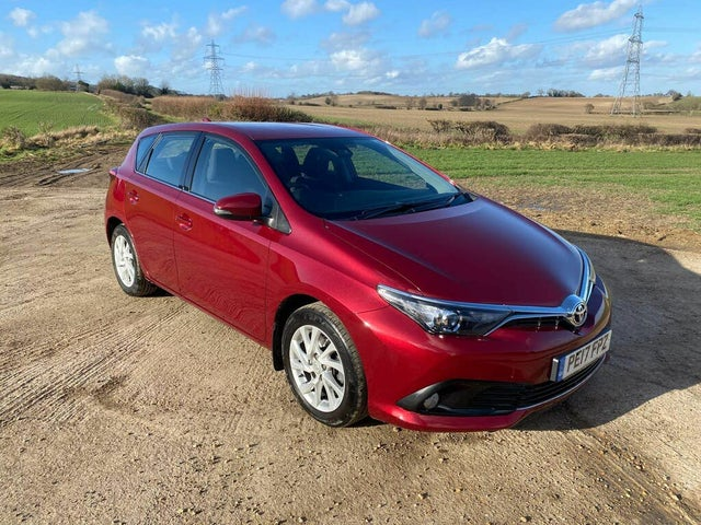 2017 Toyota Auris 1.2T Business Edition (TSS) Hatchback (17 reg)