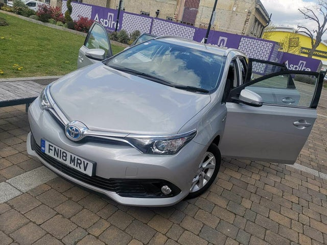 2018 Toyota Auris 1.8 VVT-i HSD Icon Tech Estate (18 reg)