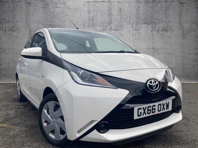 2016 Toyota AYGO 1.0 VVT-i x-play (68bhp) 5d (66 reg)