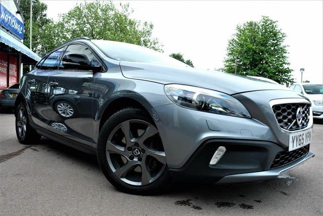 2016 Volvo V40 2.0TD D2 Cross Country Lux Geartronic (1M reg)