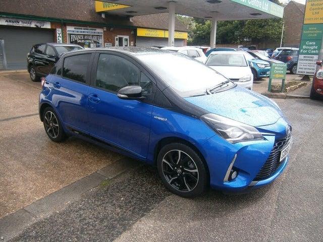 2018 Toyota Yaris 1.5 VVT-i Blue Bi-Tone Hybrid (68 reg)