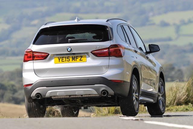 2015-2020 BMW X1 rear cornering