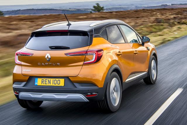 2020- Renault Captur mk2 rear driving