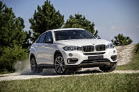 2015 BMW X6, 2015-2018 BMW X6 white, front three-quarters, driving, gallery_worthy