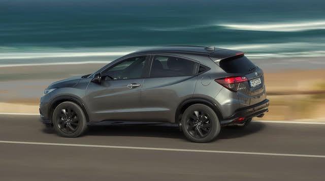 2015-2020 Honda HR-V grey, rear three-quarters, driving
